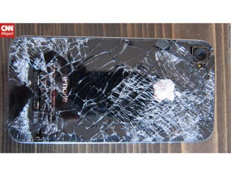 Apple News Österreich Flugzeug Sturz gefallen Mac iPhone 4