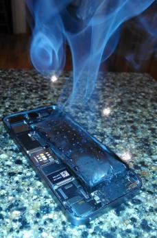 burning-iphone-5s