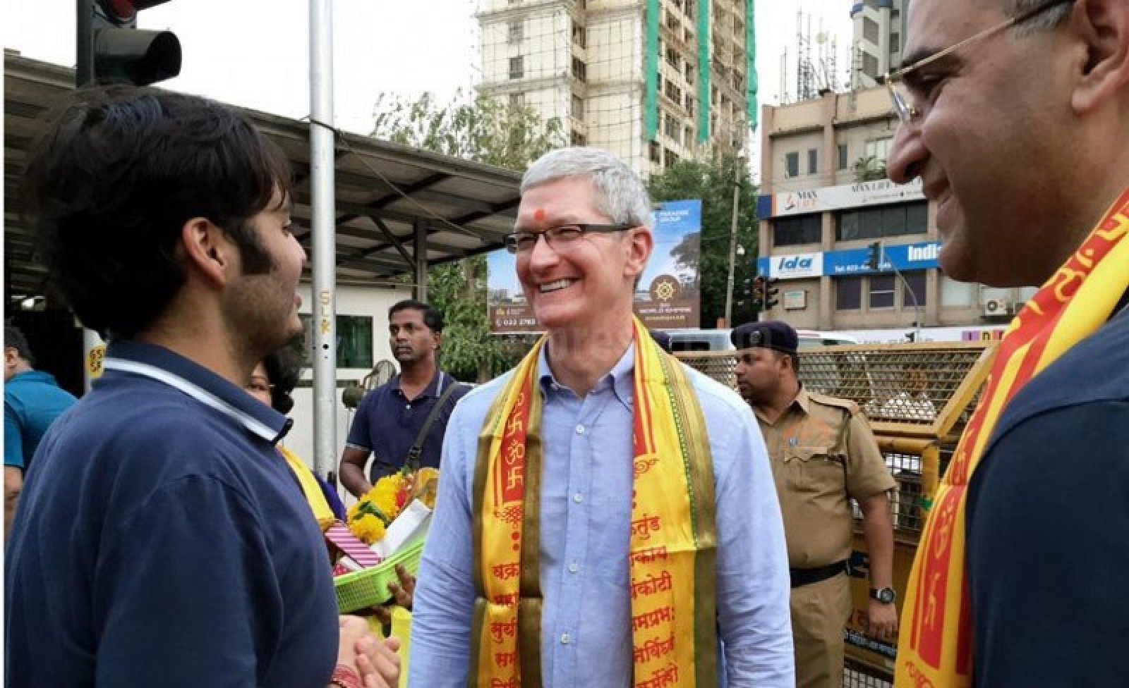 Tim_Cook_IndianExpress-800x488